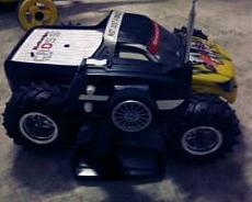 Lucciola garage.-seben-monster.jpg