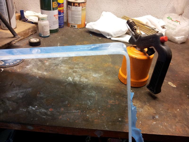 Come piegare il policarbonato