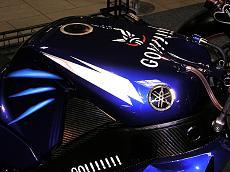 "Foto dettagli yamaha M1 Rossi 2004 versioni ""Go!!!"" e ""Gauloises""-m-1-6.jpg"