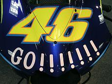 "Foto dettagli yamaha M1 Rossi 2004 versioni ""Go!!!"" e ""Gauloises""-m-1-14.jpg"
