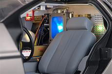 DeLorean (ritorno al futuro) 1/8 Eaglemoss-interiors1.jpg
