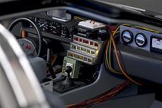 DeLorean (ritorno al futuro) 1/8 Eaglemoss-interiors2.jpg