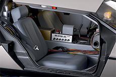 DeLorean (ritorno al futuro) 1/8 Eaglemoss-interiors4.jpg