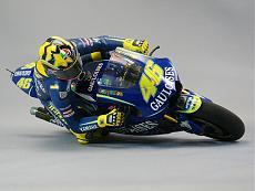 [FIGURINO] Il pilota Valentino Rossi-figurino_valentino2.jpg