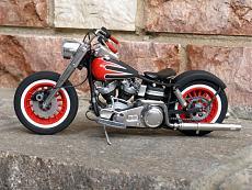 [Moto] Harley-Davidson FLH Electra Glide Custom Bobber - Revell 1/12-img_2029.jpg