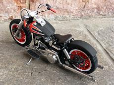 [Moto] Harley-Davidson FLH Electra Glide Custom Bobber - Revell 1/12-img_2032.jpg