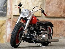 [Moto] Harley-Davidson FLH Electra Glide Custom Bobber - Revell 1/12-img_2037.jpg