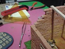 Diorama casolare con Cinquino...mattone su mattone!!!-2012-10-03-19.45.42.jpg