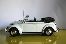 VW Beetle Cabriolet 1970 Maggiolino - Revell 1:24-4.jpg