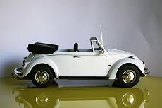 VW Beetle Cabriolet 1970 Maggiolino - Revell 1:24-5.jpg