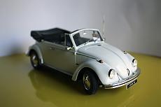 VW Beetle Cabriolet 1970 Maggiolino - Revell 1:24-6.jpg