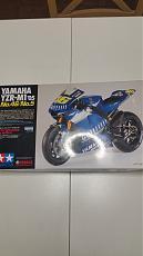 Yamaha M1 2006-2007+ super detail up set Top Studio-materiale-m1-2006-2.jpg