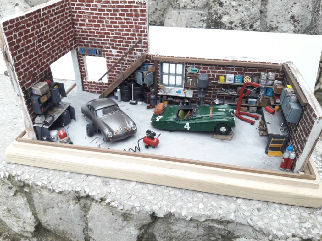 Garage inglese restauro auto d 39 epoca pagina 9 forum for Progettazione di garage per auto