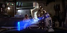 [Droide] Star Wars R2-D2 DeAgostini-luke-skywalker-c-3po-watch-r2-d2-display-hologram-princess-leia-star-wars-new-hop.jpeg