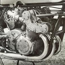 [MOTO] Protar 123 - Gilera 500 4 cilindri 1957-gilera.motor.jpg