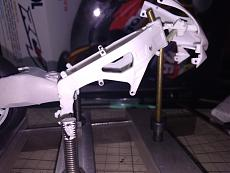[MOTO] Repsol Honda rc211v  '06 + topstudio detail-micro-frame.jpg
