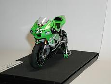 [MOTO] Kawasaki Zx-RR 2006 1/12 Tamiya + Detail-up Set-p1010040-2-.jpg.JPG Visite: 175 Dimensione:   67.2 KB ID: 56540