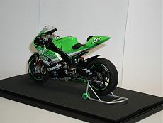 [MOTO] Kawasaki Zx-RR 2006 1/12 Tamiya + Detail-up Set-p1010046-2-.jpg.JPG Visite: 141 Dimensione:   76.2 KB ID: 56543
