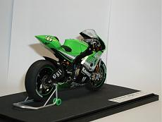 [MOTO] Kawasaki Zx-RR 2006 1/12 Tamiya + Detail-up Set-p1010051-2-.jpg.JPG Visite: 208 Dimensione:   74.4 KB ID: 56545