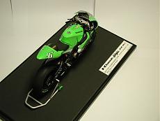 [MOTO] Kawasaki Zx-RR 2006 1/12 Tamiya + Detail-up Set-p1010053.jpg